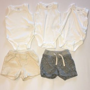 Baby gap lot of 5 tank bodysuits and shorts 6-12m